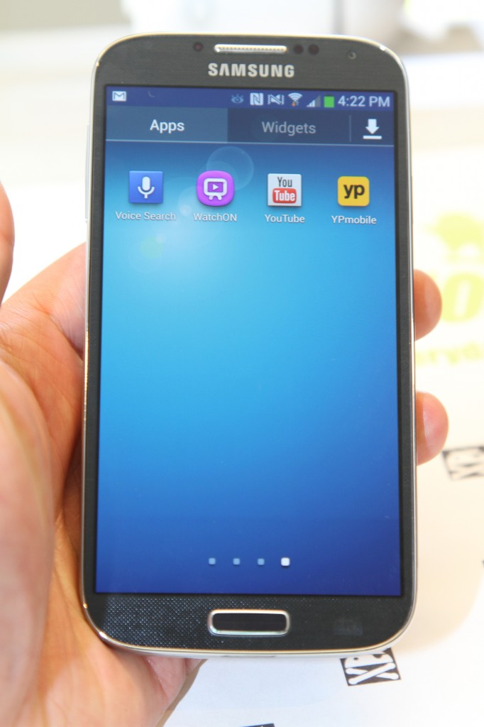 GalaxyS4Unboxing-1