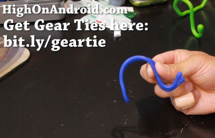 howto-make-smartphone-tablet-stand-gear-tie-4