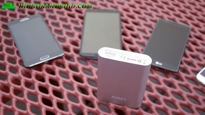 aukey-10000mah-quickcharge-usb-powerbank-1